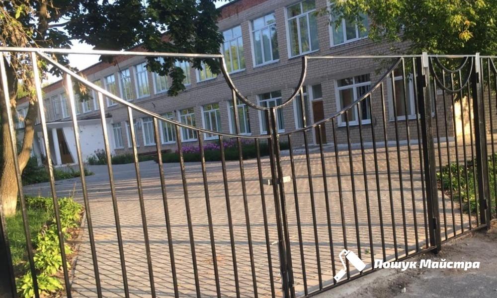 Металеві ворота у Львові: особливості конструкції