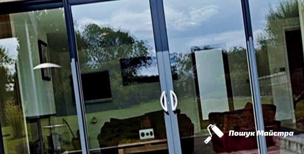 Монтаж алюмінієвих дверей: особливості технології
