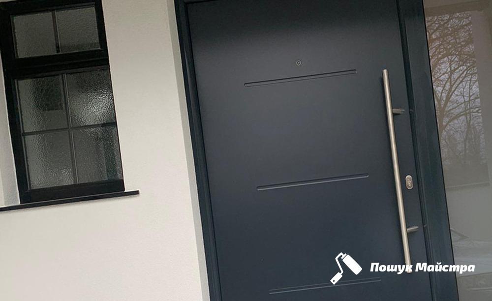 Как заказать монтаж входных дверей