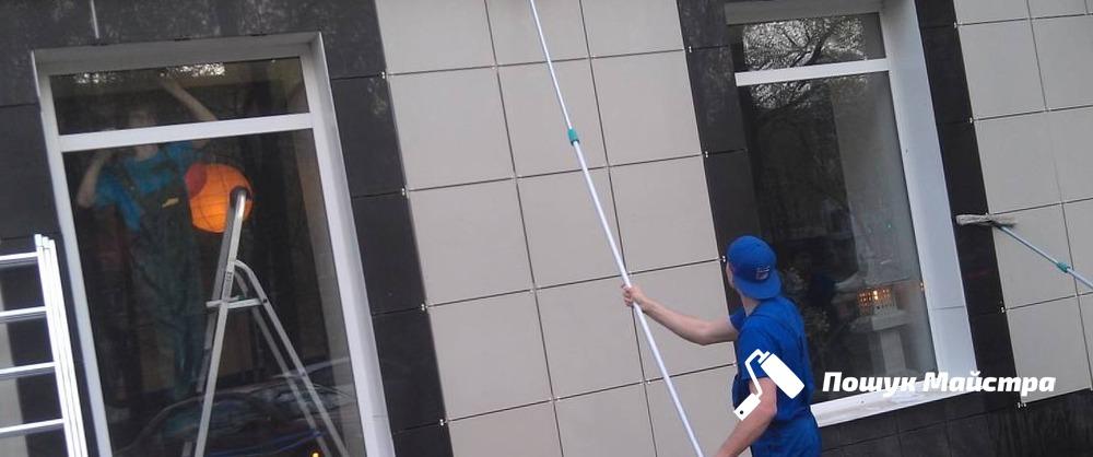 Мийка фасадів Львів | Ціна мийки фасаду будинку, офісу