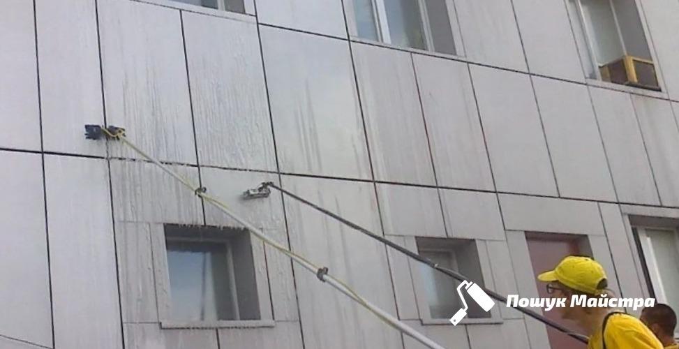 Миття фасадів Львів: як замовити послугу