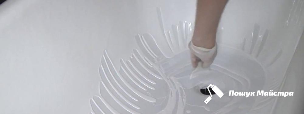Реставрація ванн у Львові: переваги використання рідкого акрилу