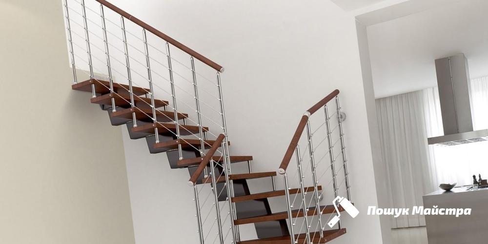 Монтаж дерев'яних сходів: особливості технології