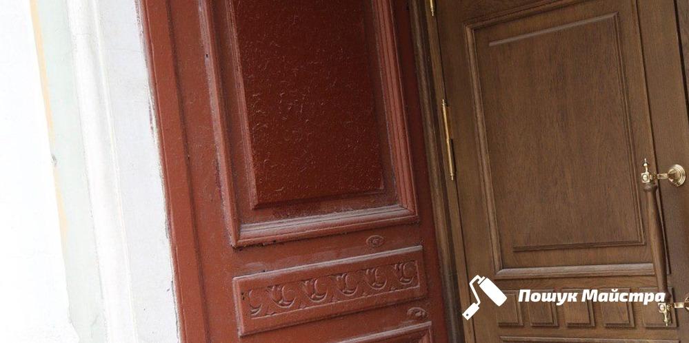 Реставрація дерев'яних дверей Львів, ціни