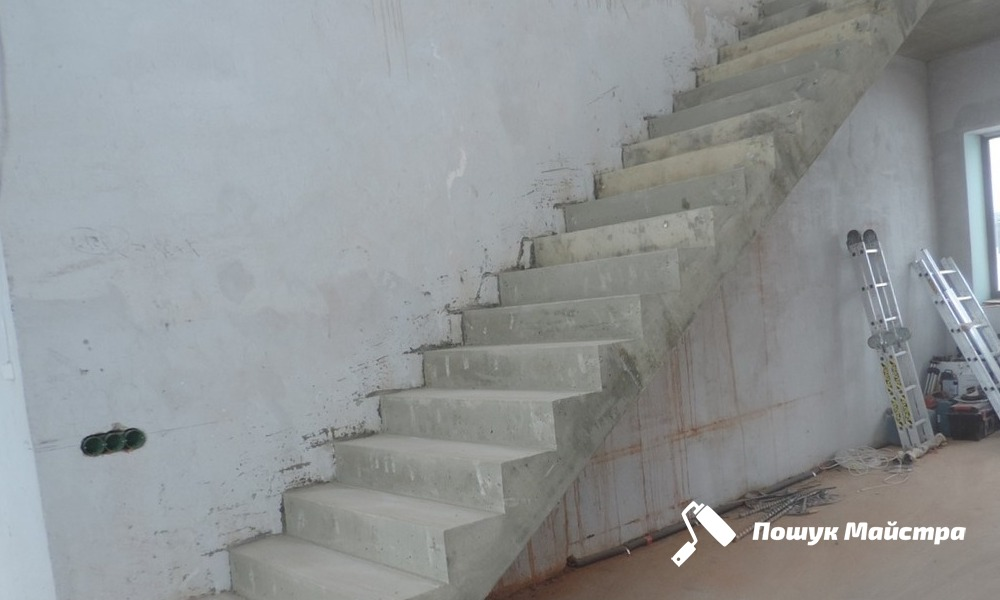 Почему так популярны бетонные лестницы во Львове