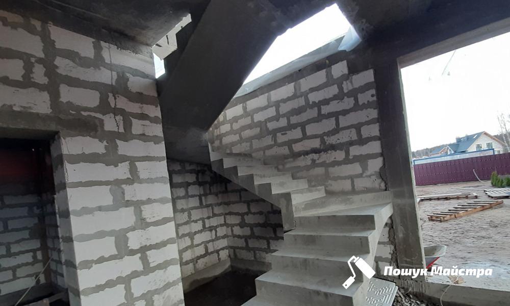 Монтаж бетонных лестниц: особенности технологии