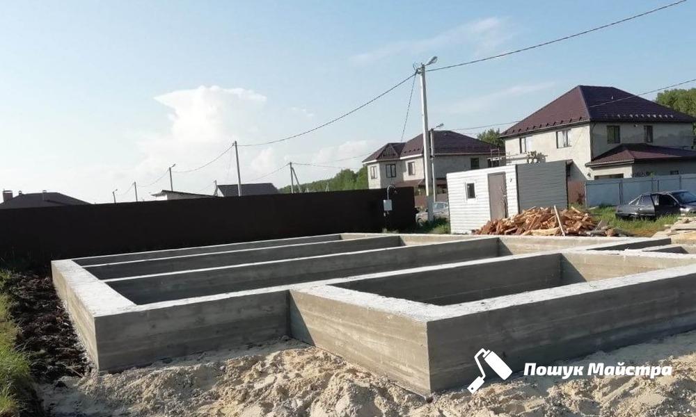 Фундамент Львів   Заливка фундаменту під будинок