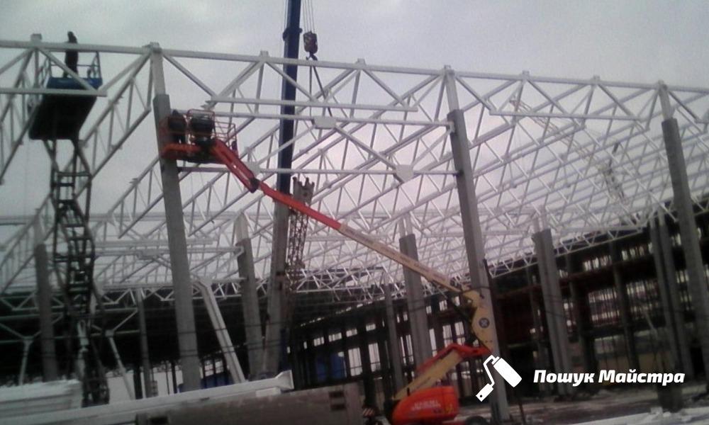 Монтаж металоконструкцій промислових будівель: особливості технології